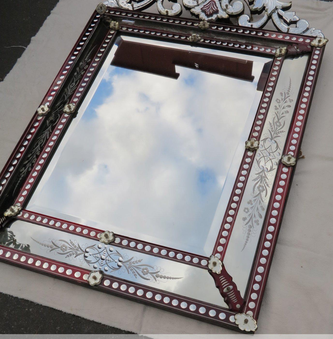 Miroir venitien fronton couleur rouge boh me xixe for Miroir store