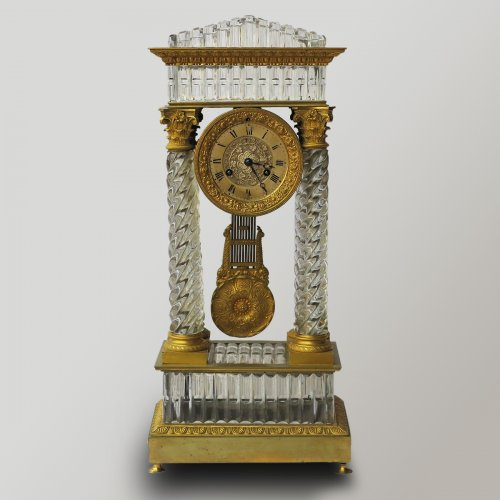 Clock Portico Charles X Baccarat crystal and gilt bronze