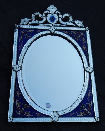 19th century - Venitian Mirror  With Pediment- Blue Glass  Adorned with Flowers