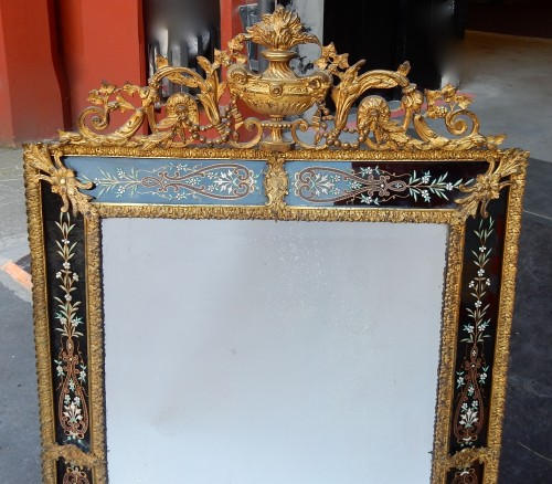 1880/1900 Venitian And Gilted Bronze Mirror With Pediment Black Color Glass - Mirrors, Trumeau Style Napoléon III
