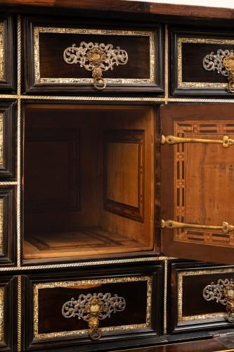 Antiquités - Cabint en palissandre et ivoire , Italie 17ème siècle