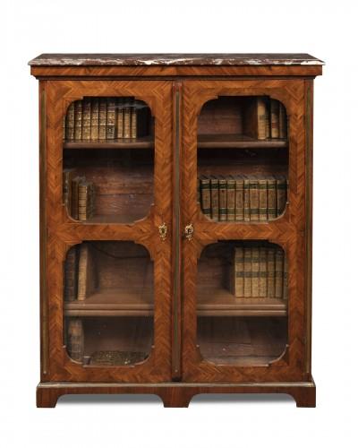 Petite bibliothèque en placage. Début du XVIIIeme siècle