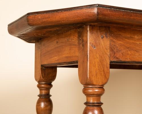 17th century walnut table - Louis XIII