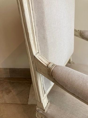 Paire de fauteuils Louis XVI en bois laqué - Seating Style Louis XVI