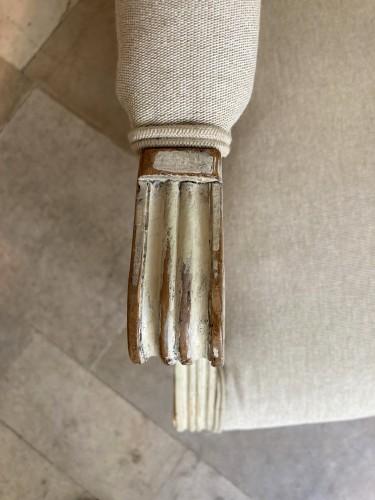 18th century - Paire de fauteuils Louis XVI en bois laqué