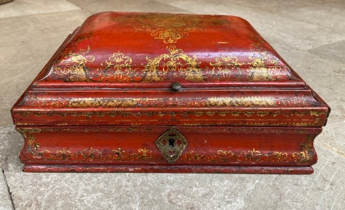 18th century French Red Lacquer and Gilt Wooden Box - Objects of Vertu Style Louis XV