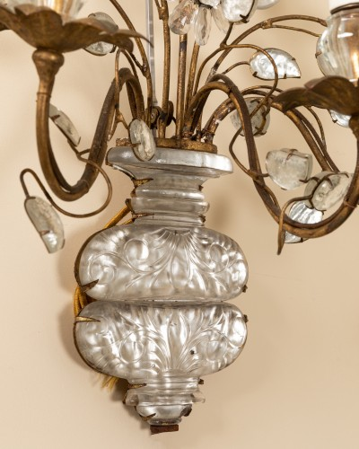 Maison Bagues - Pair of gilt metal and glass sconces - 50