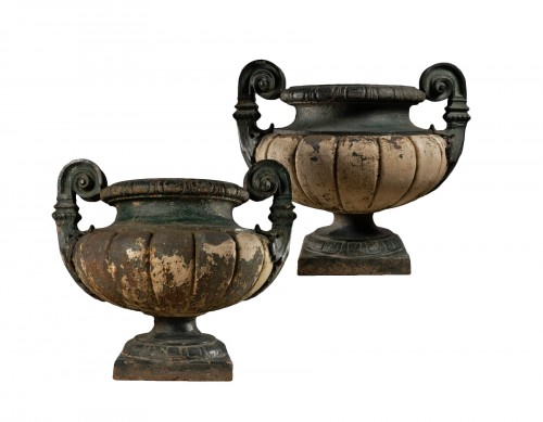 19th century Pair of french cast-iron garden vases