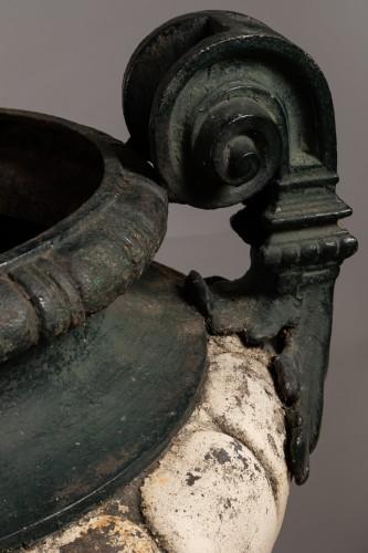 19th century Pair of french cast-iron garden vases  - Napoléon III