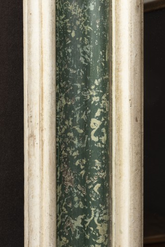 17th century - Large  painted wooden green and white faux marbre mirror, Italy 17th century