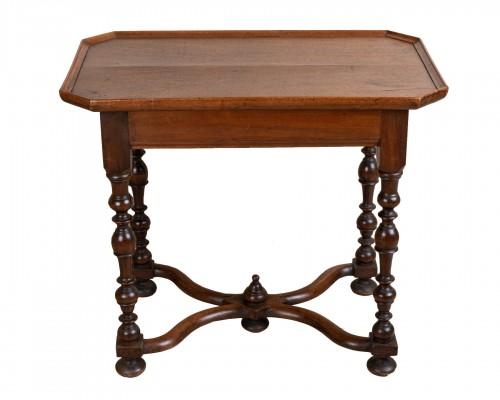 Louis XIII period Walnut Cabaret Table