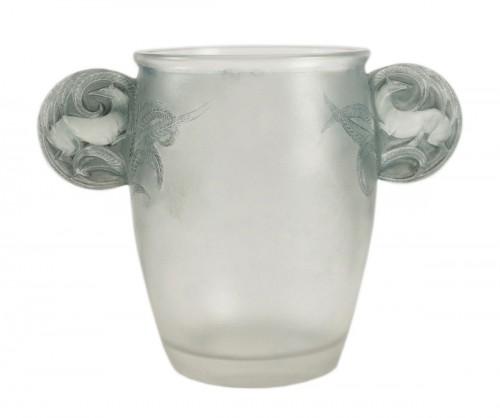 R .Lalique Vase «Yvelines» dit aussi Vase «Oreilles biches»