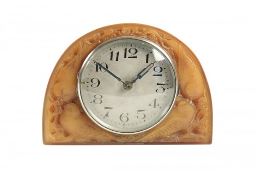 "R LALIQUE (1860-1945) & Ato - Electric clock ""butterscotch"""