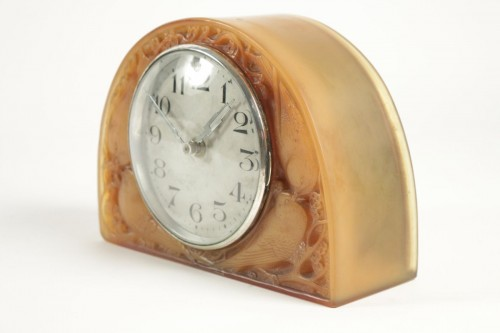 "Clocks  - R LALIQUE (1860-1945) & Ato - Electric clock ""butterscotch"""