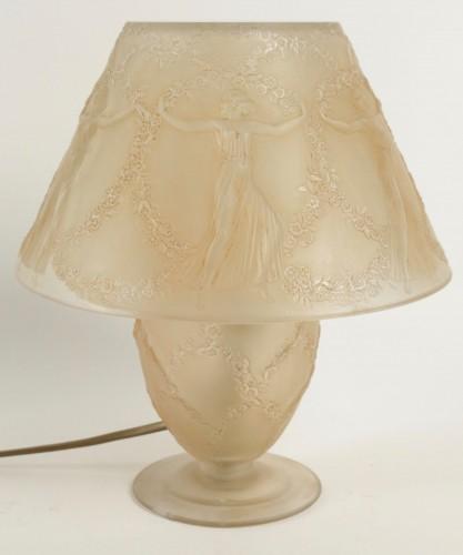 """Glass & Crystal  - René LALIQUE (1860-1945) - Lamp """"Six dancers"""""""