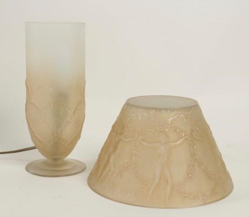 """- René LALIQUE (1860-1945) - Lamp """"Six dancers"""""""