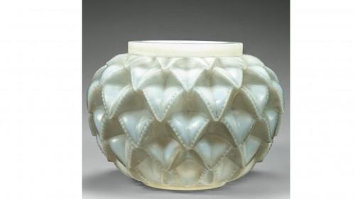 "René Lalique - Opalescent ""Languedoc"" Vase - Glass & Crystal Style"