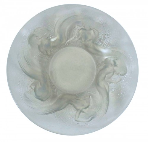 "René Lalique (1860-1945) - Molded Opalescent glass ""Calypso"" bowl"