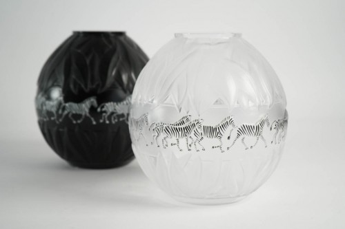 Glass & Crystal  - Marie Claude Lalique : Pair of Black and Frosted Glass 'TANZANIA' Vases