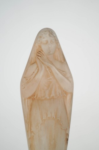 """René Lalique -""""Voilee Mains Jointes Statue - Glass & Crystal Style"""