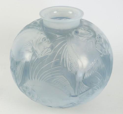 """Glass & Crystal  - René Lalique Opalescent Vase """"Poissons"""""""