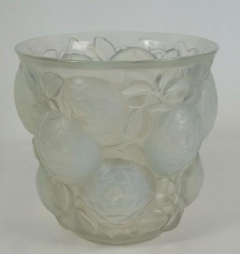 """20th century - René Lalique (1860-1945) - Opalescent Vase """"Oran"""""""
