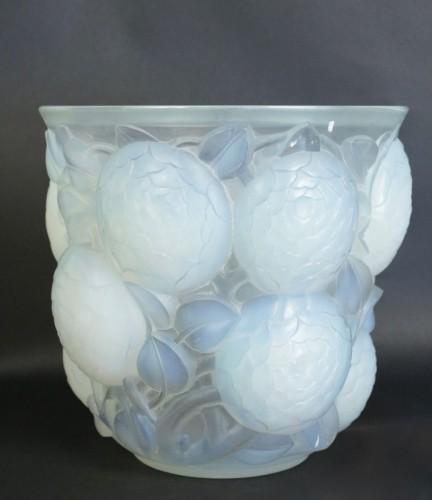 """Antiquités - René Lalique (1860-1945) - Opalescent Vase """"Oran"""""""