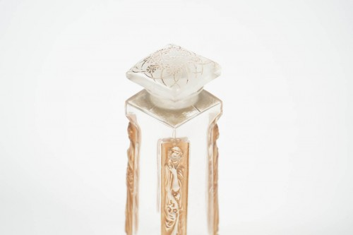 "Glass & Crystal  - René Lalique Flacon ""Ambre D'Orsay"""