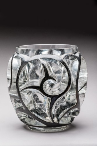 "René LALIQUE - Black enamelled ""Tourbillons"" glass vase - Glass & Crystal Style"