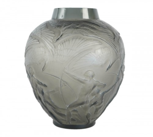 "René lalique Vase ""Archers""  Topaze Colored"