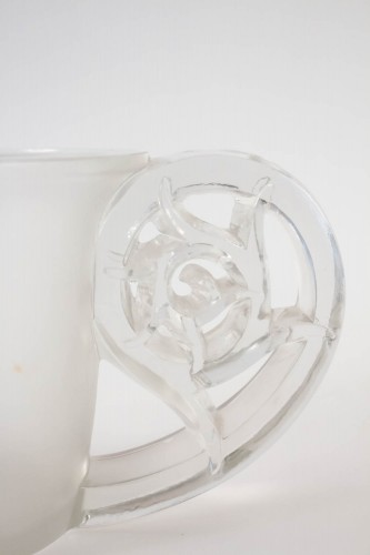 "René Lalique ""Pierrefonds"" Vase - Glass & Crystal Style"