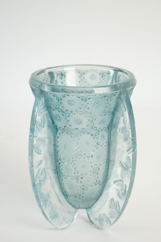 Rene Lalique Vase Papillons 1936 - Glass & Crystal Style