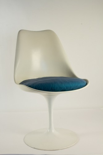 20th century - Eero SAARINEN (1910-1961) et Edition KNOLL Set of 7 Swiveling Tulip Chairs