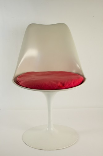 Eero SAARINEN (1910-1961) et Edition KNOLL Set of 7 Swiveling Tulip Chairs  -