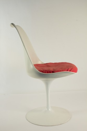 - Eero SAARINEN (1910-1961) et Edition KNOLL Set of 7 Swiveling Tulip Chairs