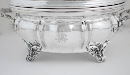 Antiquités - Pair of silver lined Warm Dish and Bell