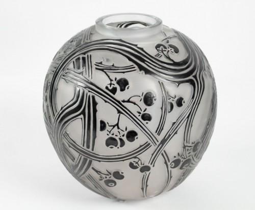 "René Lalique - Black enamelled vase ""BAIES"" - Glass & Crystal Style"