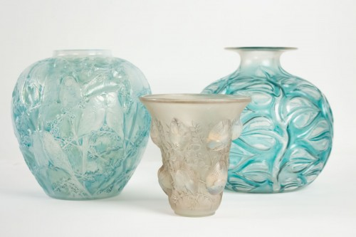 """René Lalique - Opalescent Vase """"Perruches"""" -"""