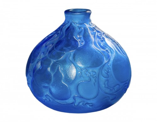 R Lalique Vase 'COURGES', ELECTRIC BLUE VASE