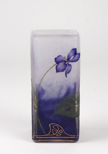 "20th century - Daum Nancy - Enamelled Vase ""Violets"""