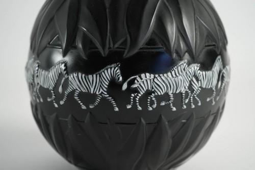 """Marie Claude Lalique - Pair of """"Tanzania"""" Zebras vases -"""