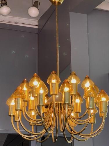 Arne Jacobsen : Pair of Scale Brass Chandelier - Lighting Style
