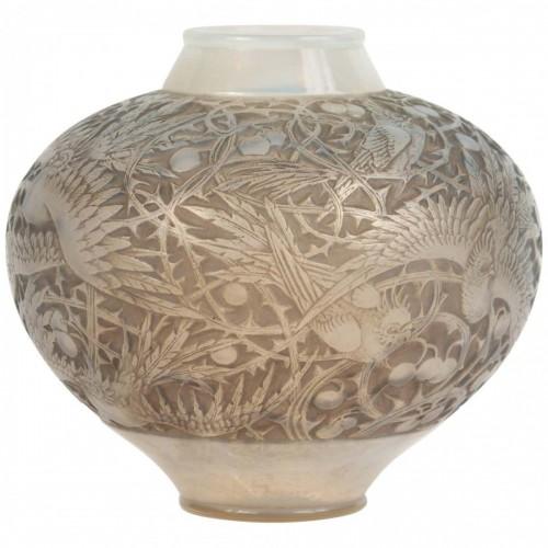 "René Lalique (1860-1945) - Vase model ""Aras"" - Glass & Crystal Style"