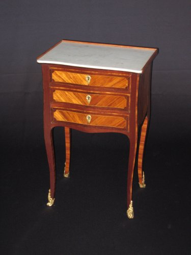Chiffonniere table of Louis XV period - Furniture Style Louis XV