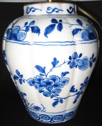 Lighting  - Delftware vases XVIIIth century