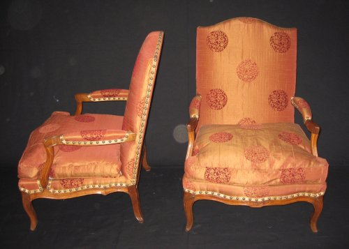 "Louis XV - Pair of armchairs so-called ""fireside - coin de feu"" Louis XV period"