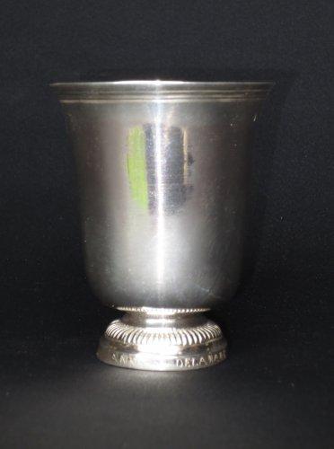 A XVIIIth century sterling silver Beaker