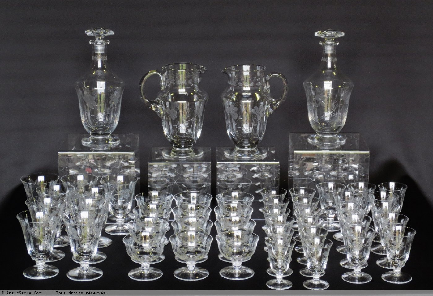 service de verres en cristal poque 1930 xxe si cle n. Black Bedroom Furniture Sets. Home Design Ideas