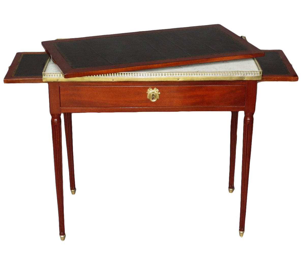 bureau de dame d 39 poque louis xvi xviiie si cle. Black Bedroom Furniture Sets. Home Design Ideas