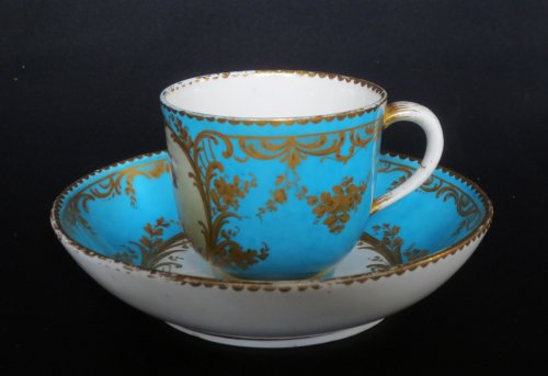 Sèvres porcelain cup and saucer, 18th century - Porcelain & Faience Style Louis XVI
